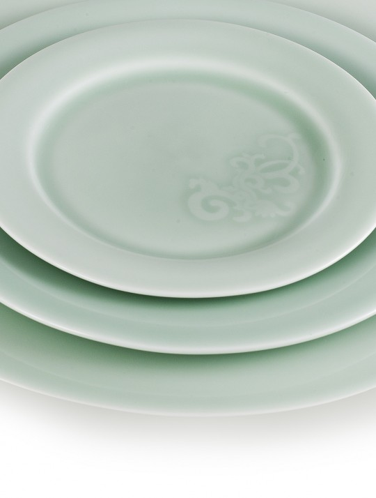 latitude22n_SONG-CELADON-PLATE-GROUP_1200X1586