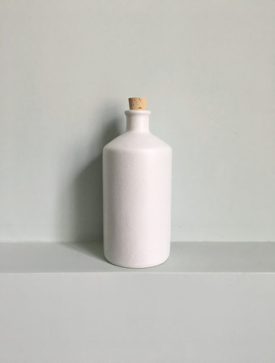 latitude22n-bottle-matte-white